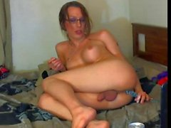 Horny shemale play with her toys