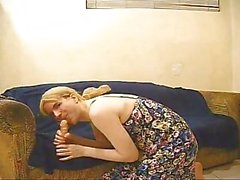 Amateur Dancing and love crossdresser to dildo